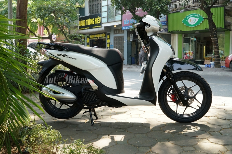 gia xe may honda thang 12 tang dot bien