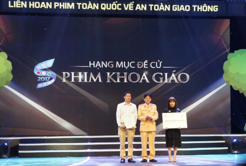 toyota trao giai lien hoan phim toan quoc ve atgt 2017