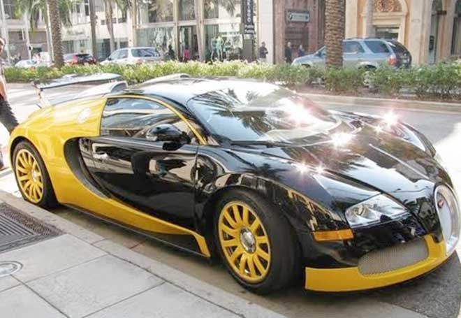 xe khung bugatti veyron sap co mat tai ha noi