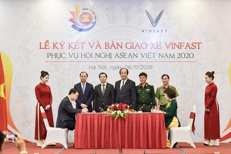 VinFast bàn giao gần 400 xe phục vụ Hội nghị ASEAN 2020