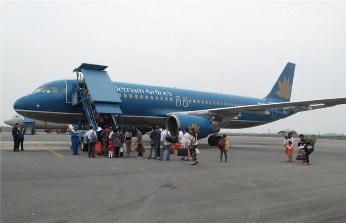 bay khu hoi vietnam airlines toi bang coc chi 900000 dong