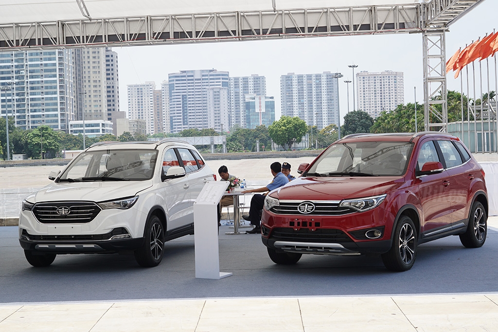 vietnam autoexpo 2018 mo to phan khoi lon do bo xuong ha noi
