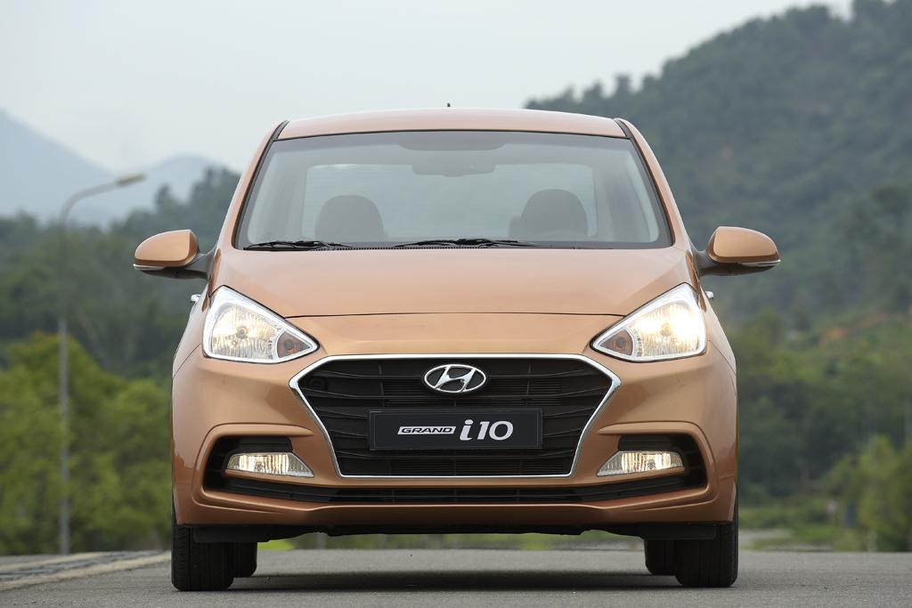 10 ô tô bán chạy nhất Việt Nam tháng 6: Hyundai Grand i10 vượt Toyota Vios