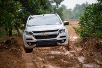 trai nghiem chevrolet colorado off road an tuong hon on road