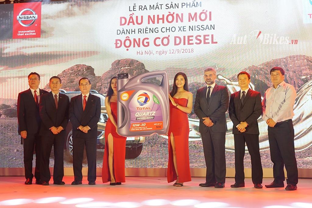 Ra mắt dầu Total Quartz Diesel 4000 CF-4 cho xe Nissan diesel