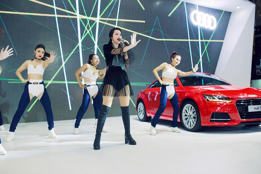 man nhan voi dan dai su audi tai trien lam audi brand experience 2018