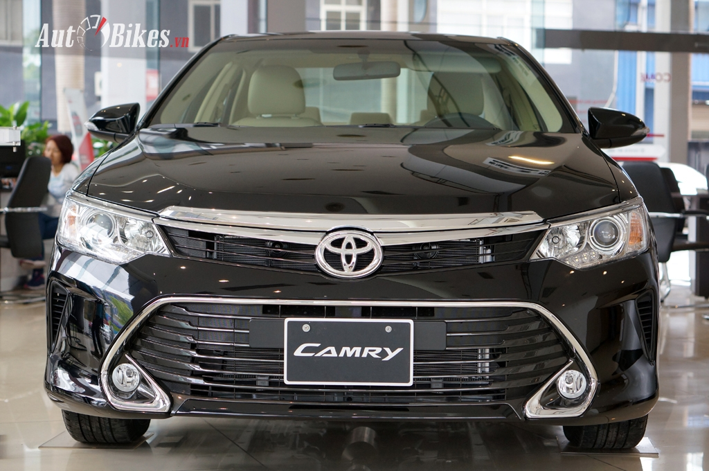 toyota camry 2018 ra mat gia giam ve 1 ty dong