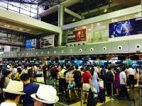 khach nuoc ngoai trom tai san khi bay vietnam airlines