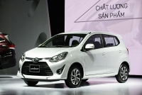 video toyota wigo giam xuong gan 300 trieu dua grand i10 morning