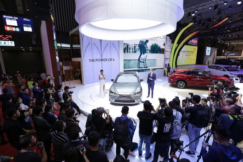 chiem nguong dan xe lexus tai vms 2018