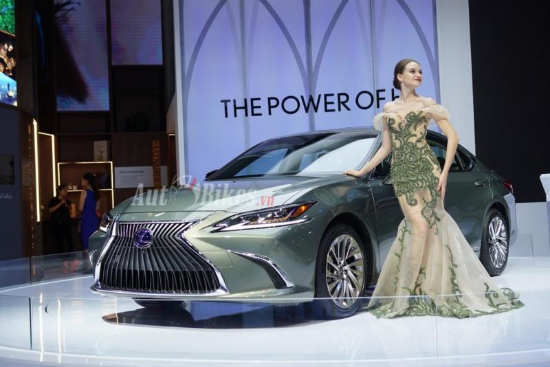 can canh mau sedan hang sang lexus es300h tai vms 2018