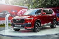 vinfast lux sa20 de do a fortuner santafe