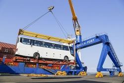 Ngày đầu ra quân, Thaco xuất khẩu hơn 200 ô tô, linh kiện
