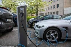 Phần lớn người dùng xe điện không muốn quay lại xe động cơ đốt trong