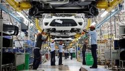Bác bỏ đề xuất giảm 50% lệ phí trước bạ cho ô tô đăng ký mới