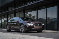 bo doi bentley bentayga w12 va flying spur v8s da co mat tai viet nam