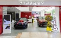 vinfast khai truong 27 showroom cung chuong trinh sieu uu dai