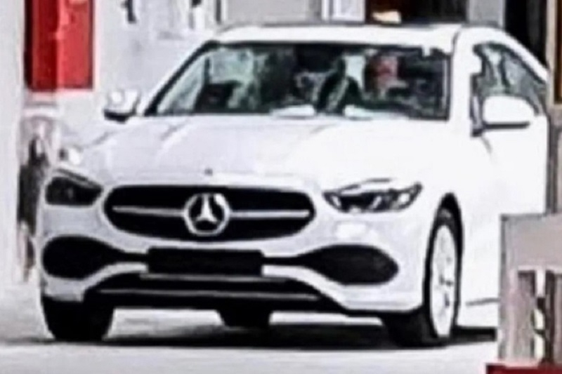 lo dien hinh anh mercedes benz c class 2022