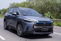 Thiếu cung, Toyota Corolla Cross vẫn gây bất ngờ tại Việt Nam