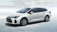 suzuki swace trinh lang giong het toyota corolla touring