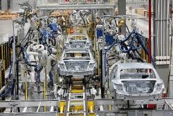 Đề xuất miễn thuế nhập khẩu linh kiện lắp ráp ô tô của VinFast