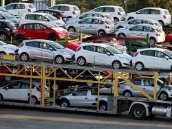 Hàng loạt ô tô giá rẻ về Việt Nam, đón mùa mua sắm cuối năm