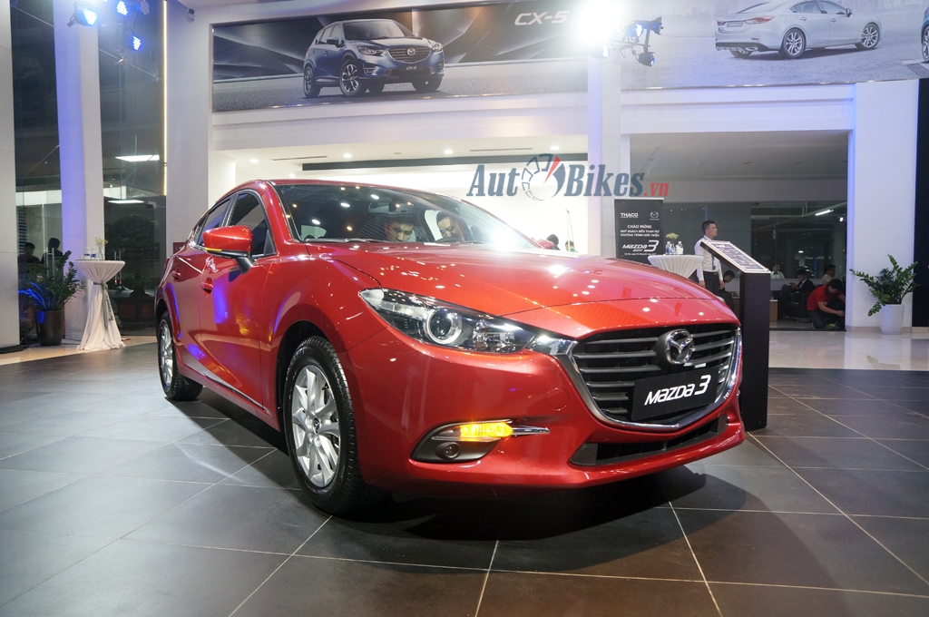 mazda3 15l hatchback 2017 gia 715 trieu co gi