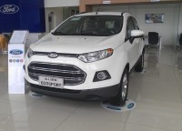 ford viet nam lap ky luc truoc thang ngau