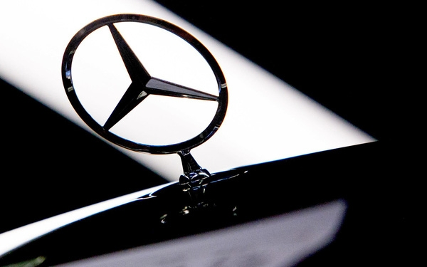 mercedes benz ve tay nguoi trung quoc voi gia 9 ty usd