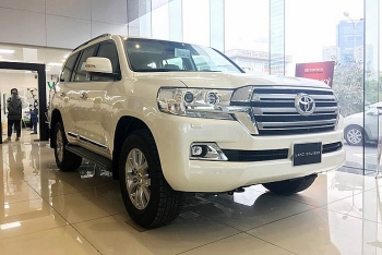 toyota land cruiser 2019 chinh hang ve viet nam don tet