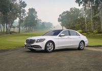 chum anh mercedes s class 2018 gia tu 42 ty dong