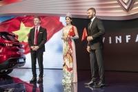 David Beckham, hoa hậu Tiểu Vy choáng ngợp bởi ô tô VinFast