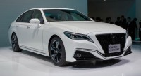toyota crown 2018 bat ngo lo die n