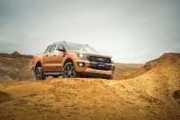 ford dat hang everest ranger lap cong