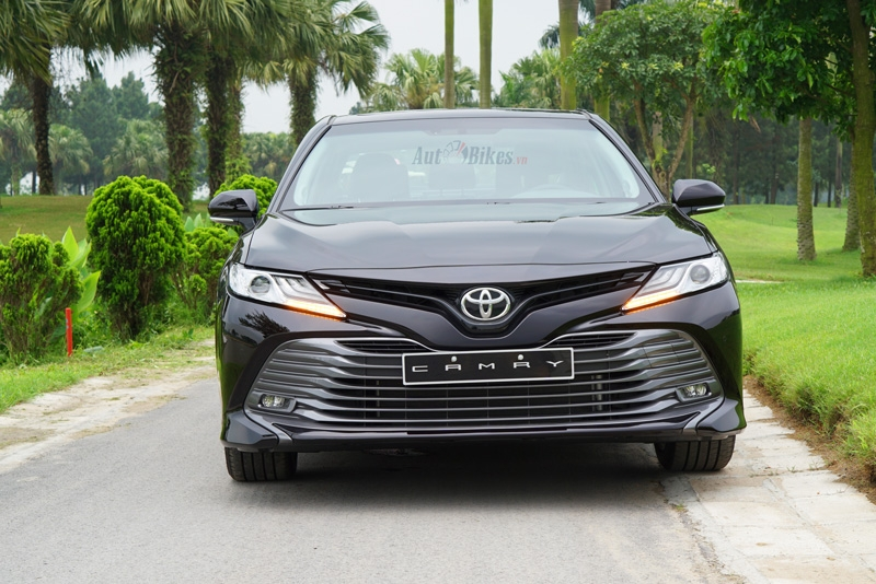 video danh gia toyota camry 25q 2019 gia 1235 ty dong