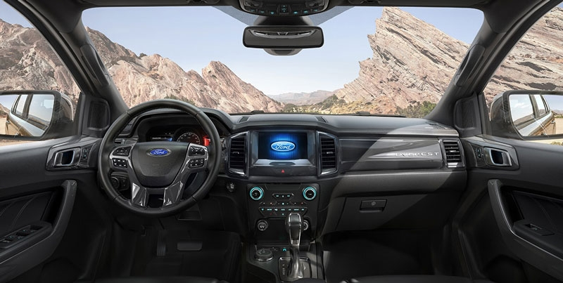 ford everest gia m gia manh ca nh tranh fortuner santafe