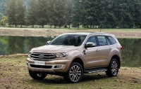 ford everest uu dai lon ca nh tranh fortuner santafe