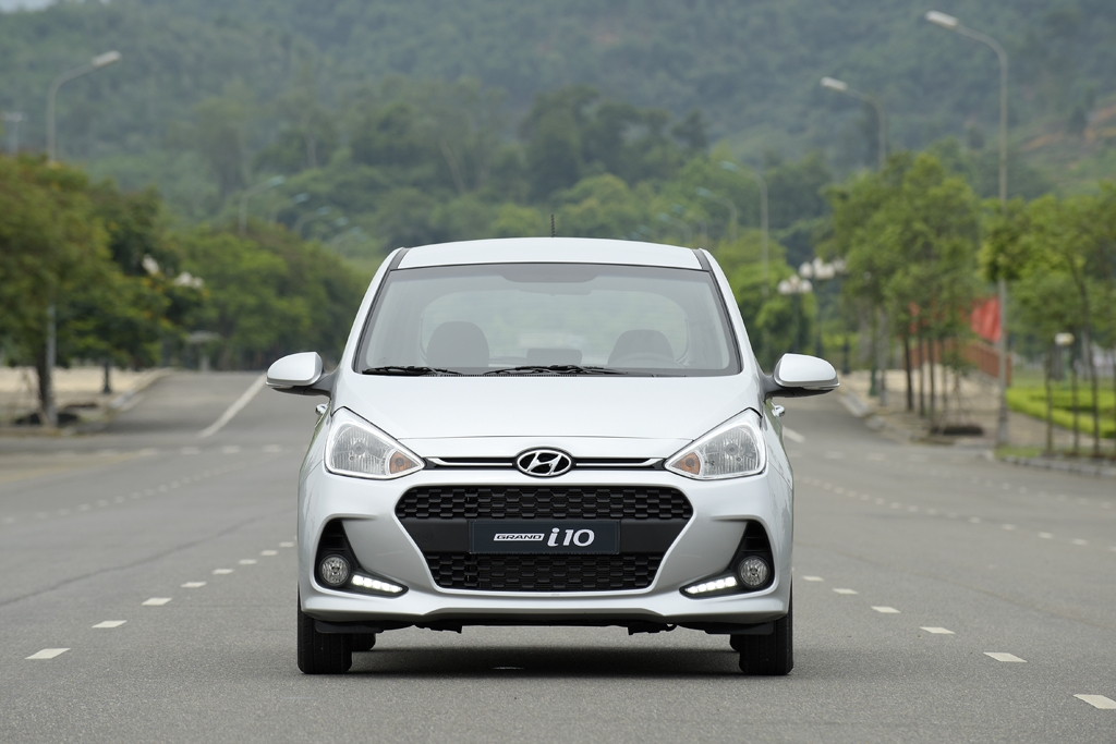 hyundai grand i10 giam 30 trieu dua morning wigo