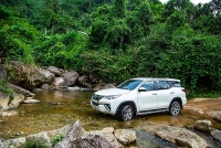 do xo mua toyota fortuner vi duo c uu da i hon 100 trie u do ng