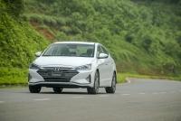 hyundai elantra 2019 khuyen mai gia xe lan banh thang 92019