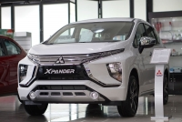 dai chien mpv toyota innova that the truoc mitsubishi xpander