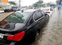 Xe sang ngập nước: Tiền sửa bằng nửa tiền xe