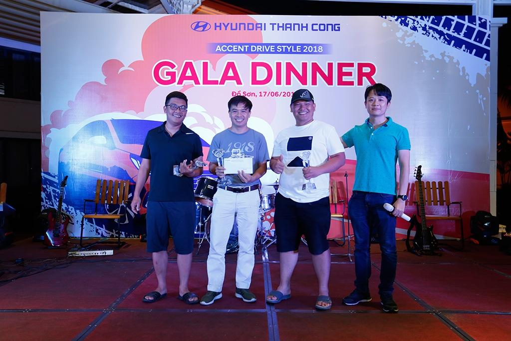 cuoc dua ky thu amazing race hyundai accent 2018 ton 45 lit100 km