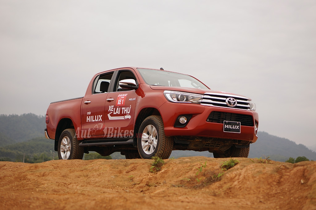 toyota hilux dot pha ve chat