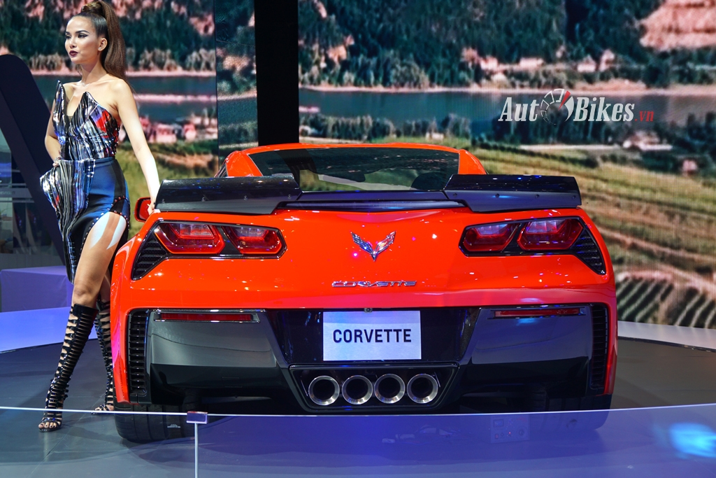can canh chevrolet corvette grand sport 2017 tai viet nam