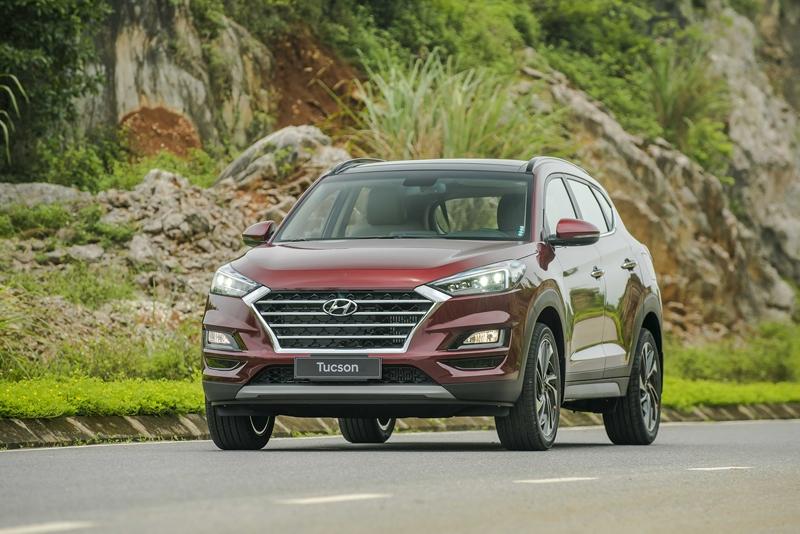 Hyundai Tucson 2019: Khuyến mãi, giá xe, giá lăn bánh tháng 10/2019